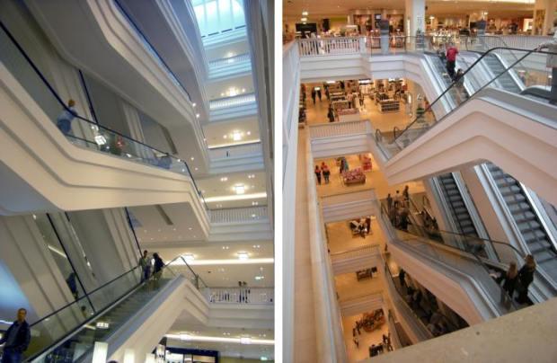 Las escaleras mecánicas, un elemento que marca el espacio interior