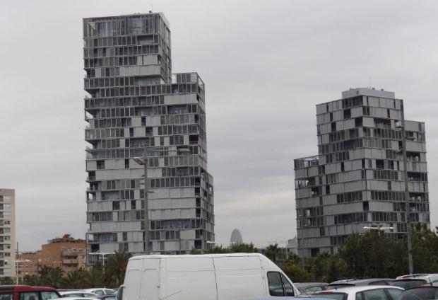 Torres residenciales junto a Diagonal Mar. Coeficiente 1,7 sobre parcela catastral