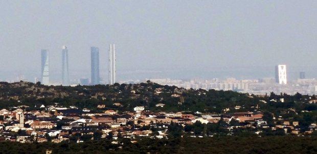 El norte de la ciudad de Madrid visto desde El Escorial