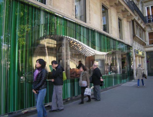 Chocolatería frente a la iglesia de la Madeleine, en París.