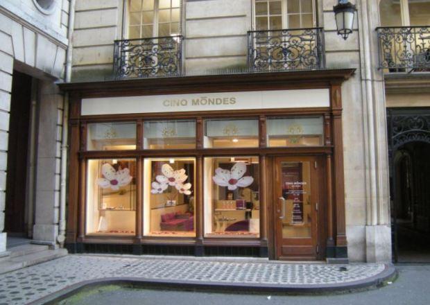 Una tienda de productos de belleza en París, cerca del Passage de l'Olympia