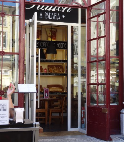 Panadería en la estación de Rossio, Lisboa